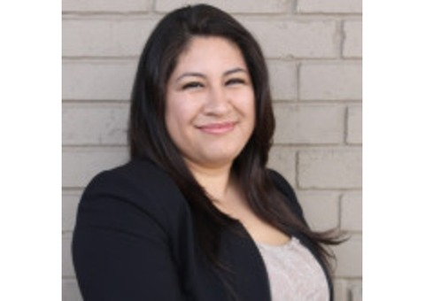 Claudia Aguilar - Farmers Insurance Agent in Freeport, TX
